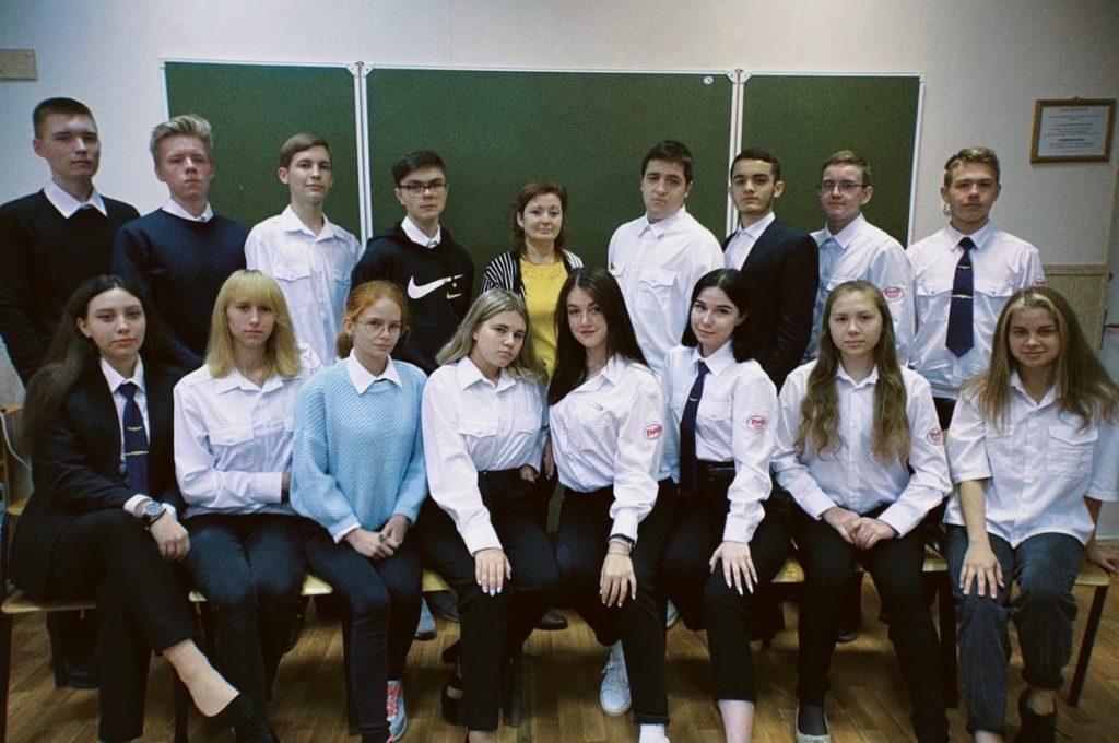 С днём учителяпреподавателя общепрофильных дисциплин и ЛЮБИМОГО куратора Пархоменко Г.М